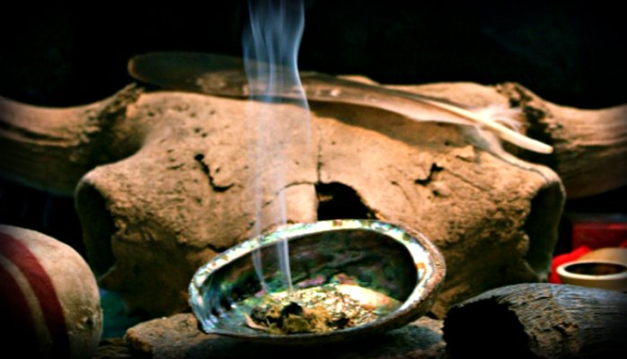 Smudging 101: An Introduction to Smudging